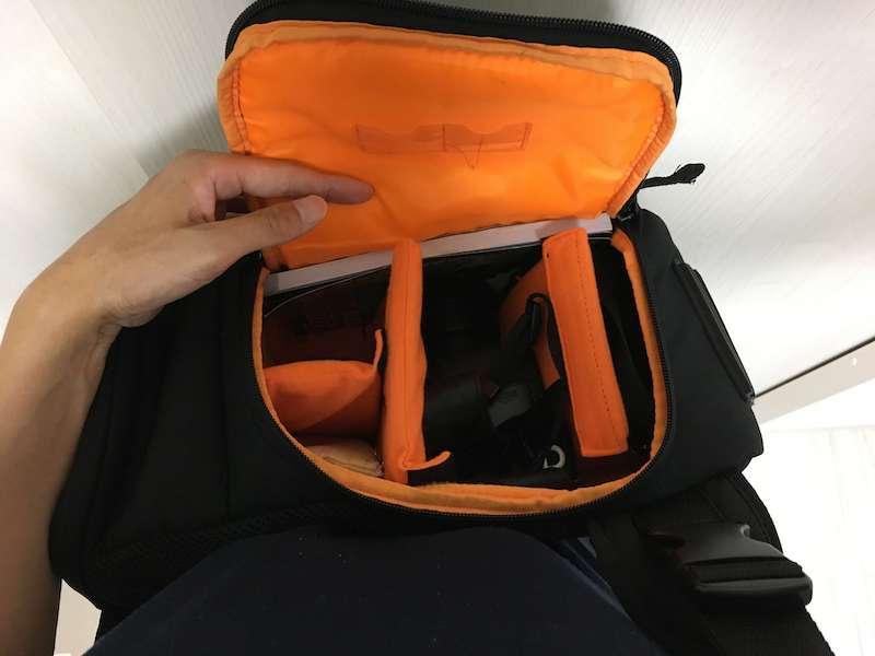 Amazonベーシックのスリングバッグの使用例