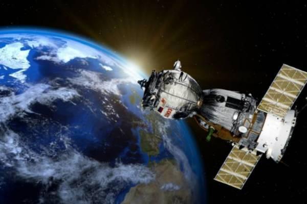 satellite-800px