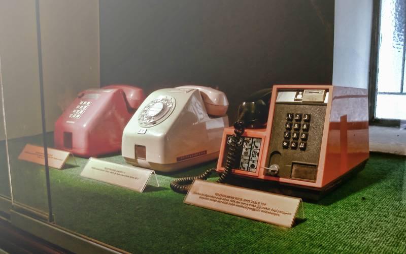 Telefon Lama - Sumber : Muzium Telekom