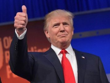 483208412-real-estate-tycoon-donald-trump-flashes-the-thumbs-up-jpg-crop_-promo-xlarge2-640x480
