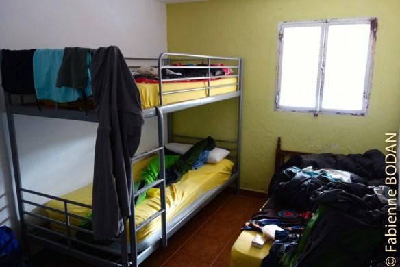 IL y a une chambre hommes, une chambre femmes et une chambre à 3 lits pour un couple et une personne. © Fabienne Bodan