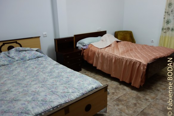 La maison comprend 4 ou 5 chambres de 2 ou 3 personnes, dont certaines avec salle de bains privée. © Fabienne Bodan