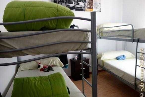Chambres à 3, 4 ou 5 lits, très propres. On se sent comme à la maison. © Fabienne Bodan