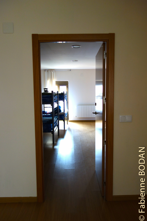 Le dortoir de l'étage, 12 lits en 6 literas. Les dortoirs sont spacieux. © Fabienne Bodan