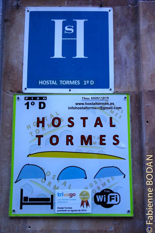 Situé dans la Rua Mayor, en plein centre historique de Salamanque, l'Hostal Tormès est tenu par un jeune couple sympathique et très serviable. © Fabienne Bodan