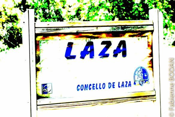 A Laza, l'auberge est un peu en retrait du village, près du terrain de sport...© Fabienne Bodan