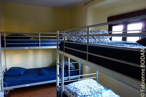 La première chambre de l'étage, à gauche de la salle de bains...© Fabienne Bodan