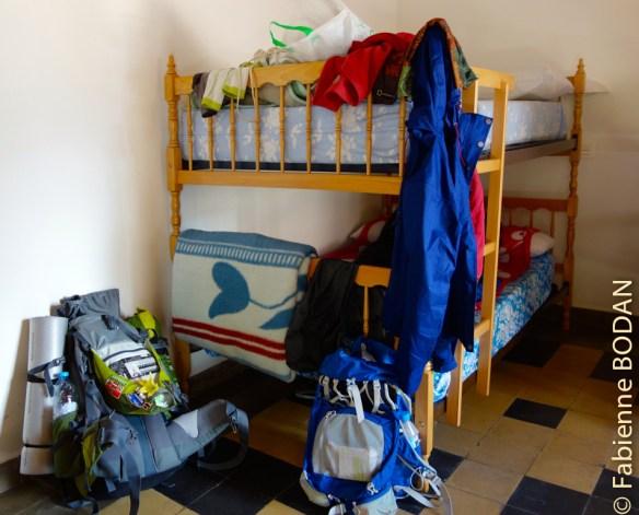 Petits dortoirs avec lits superposés © Fabienne Bodan