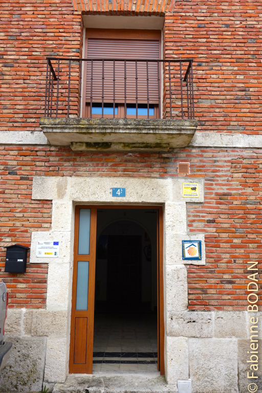 L'entrée de l'albergue de Peñaflor de Hornija © Fabienne Bodan