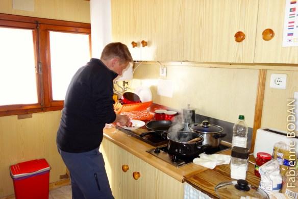 Possibilité de cuisiner dans la cuisine de l'auberge © Fabienne Bodan