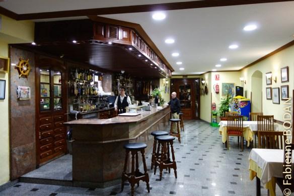 Le petit déjeuner, inclus dans le prix de la nuitée, est servi au bar de l'hôtel © Fabienne Bodan