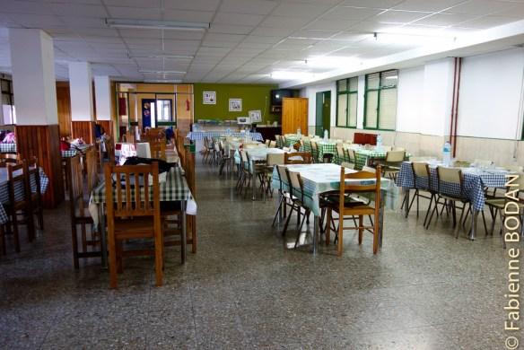 Le réfectoire...pour les groupes. Albergue municipal de Quiroga, Camino del Invierno © Fabienne Bodan