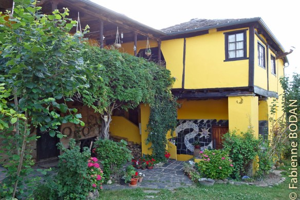 """""""La Maison de Guti"""" à Santalla del Bierzo (Camino del Invierno) © Fabienne Bodan"""