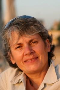 L'auteur de ce blog, au bord du Nil, à Assouan, Egypte. © Fabienne Bodan