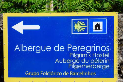 L'albergue publico  de Barcelos se situe avant de franchir le pont, dans la commune de Barcelinhos. © Fabienne Bodan