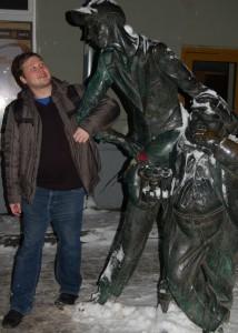 Персонажи Мастер и Маргарита, скульптура