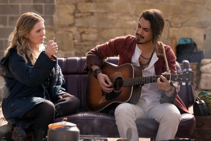 Little Rock (Abigail Breslin) and Berkeley (Avan Jogia) in Columbia Pictures' ZOMBIELAND: DOUBLE TAP.