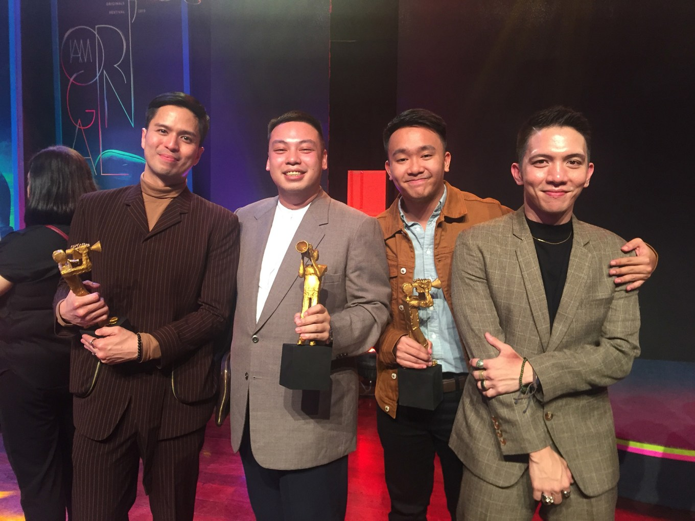Best Supporting Actor Topper Fabregas with 'Sila Sila' director Giancarlo Abrahan, screenwriter Daniel Saniana and Gio Gahol