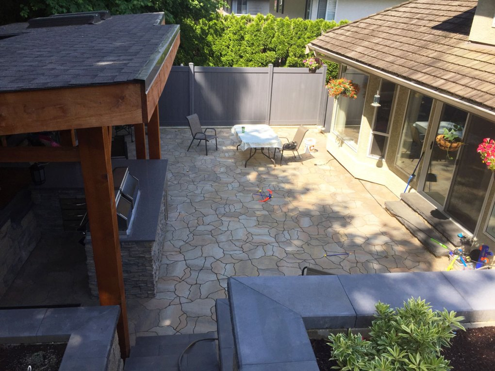Paving-Stone-Backyard