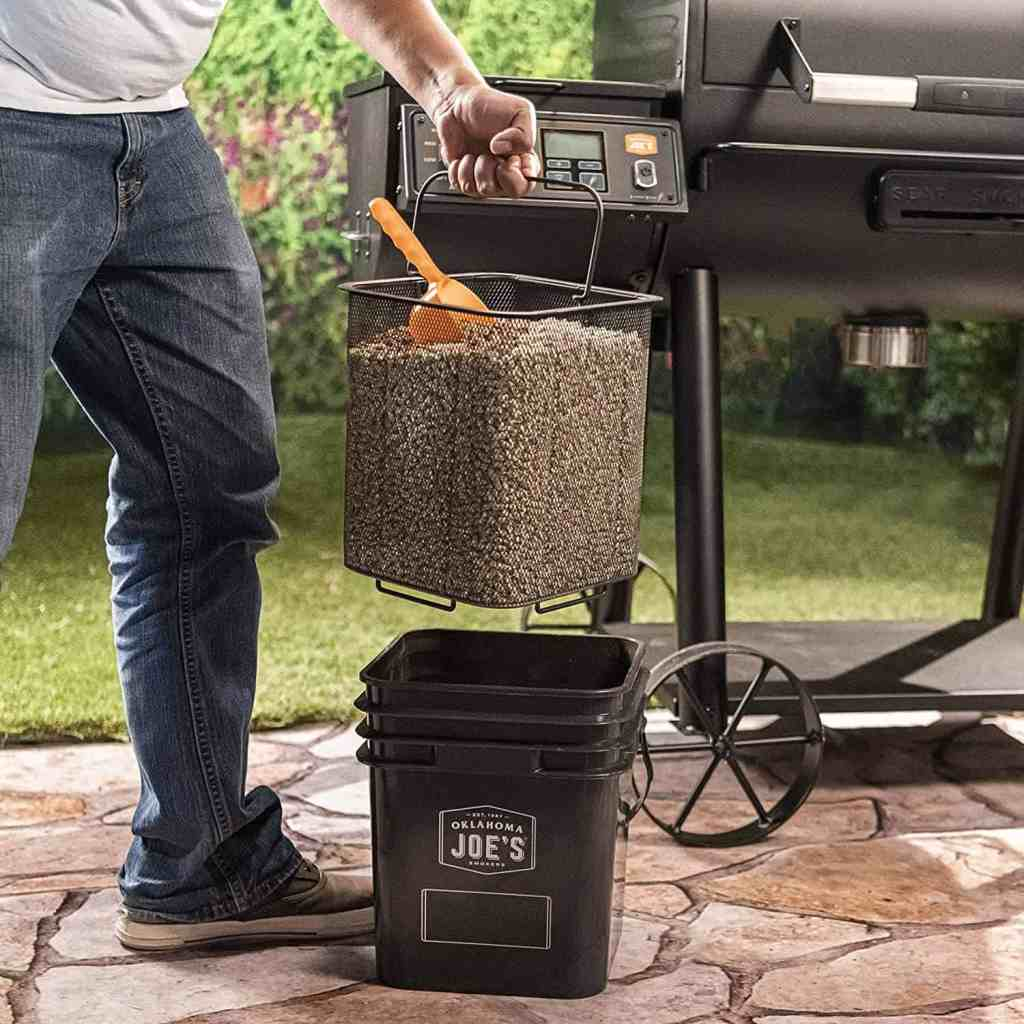 Wood Pellet Grill Smoker Bucket Storage Spout Lid Filter Airtight Tight Fit Home