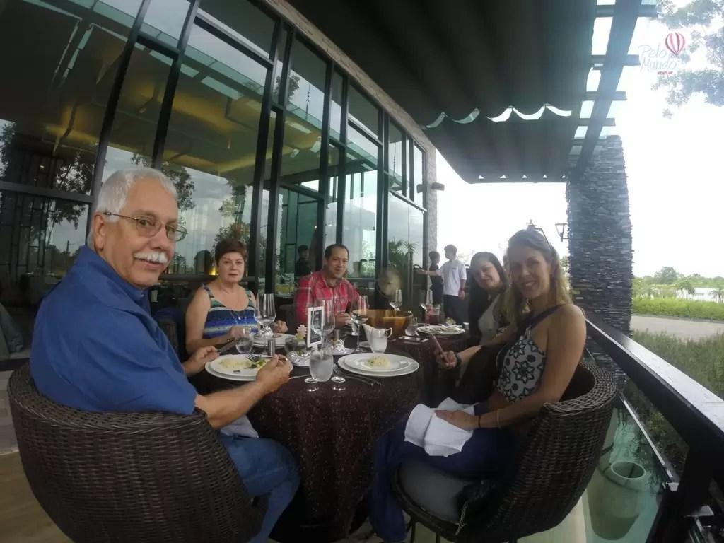 North Hill Resort em Chiang Mai - jantar típico tailandes
