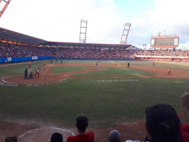 Lleno completo el estadio victoria de Girón