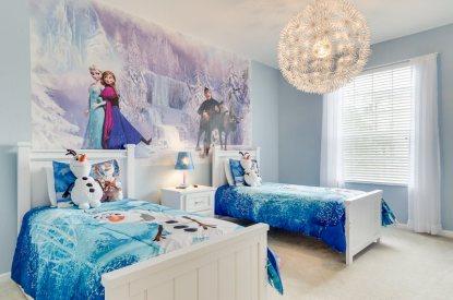 Decorar la habitaci n con peluches disney peluches for Disney kinderzimmer komplett