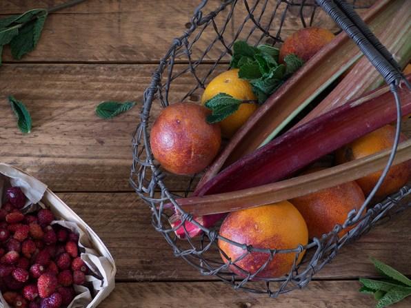 Galette de ruibarbo y frutos del bosque con frangipane (Rhubarb Galette)