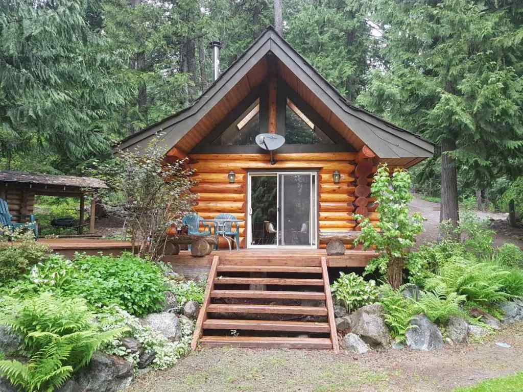 Fly fishing lodges in British Columbia