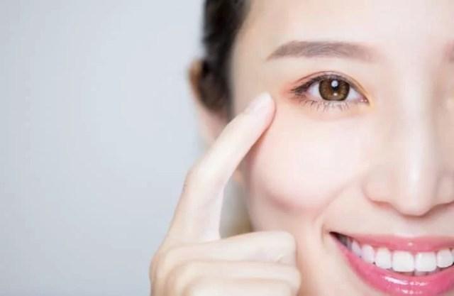 merawat kulit sekitar mata
