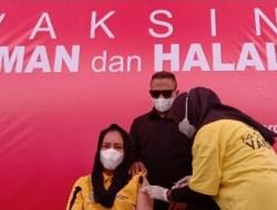 Bupati Fifian dan Puluhan ASN Pemkab Sula Vaksinasi Covid Tahap II