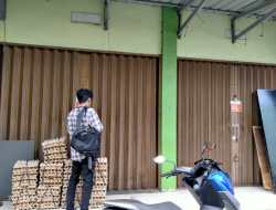 Tak Bayar Retribusi, BP2RD Kota Ternate Segel Lapak PKL