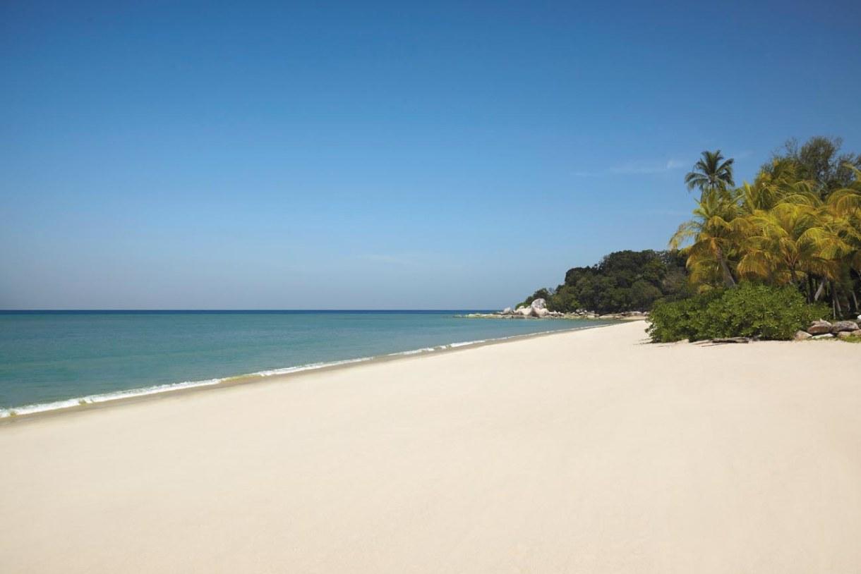 batu feringhi beach penang