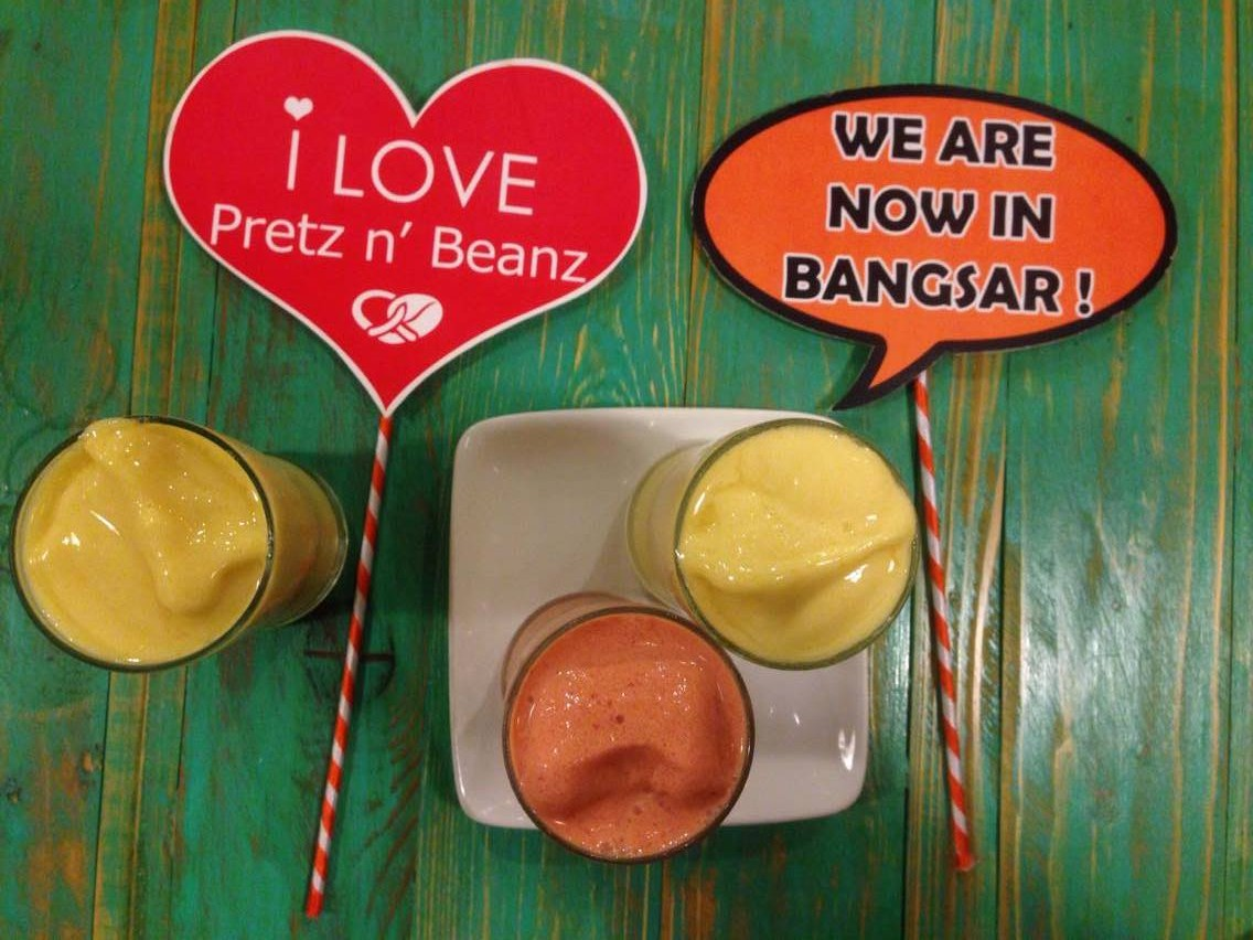 Mango Smoothie RM 14.90 Strawberry Smoothie RM 14.90