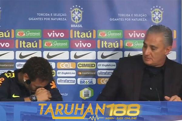 Neymar Terharu Mendengar Pembelaan Tite Padanya