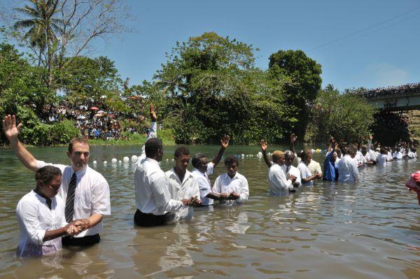 Baptisan Air atau Baptisan Selam  PendalamanAlkitab4Muslim