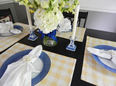 Dining room tablescape 5