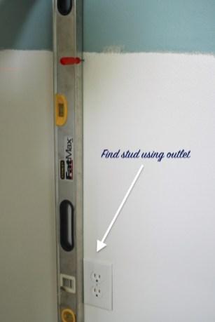 find-studs-outlet-method1