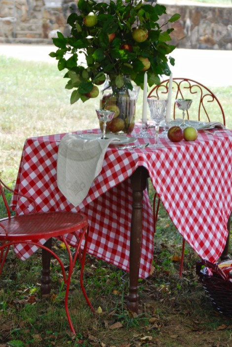 orchard-tablescape-angle