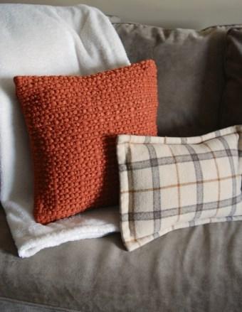 fall-sofa-detail