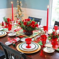 Holiday Etiquette & Hospitality + My Plaid Christmas Table