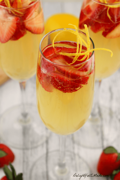 Strawberry-Lemoncello-Spritzer-DelightfulEMade.com-vert1-2