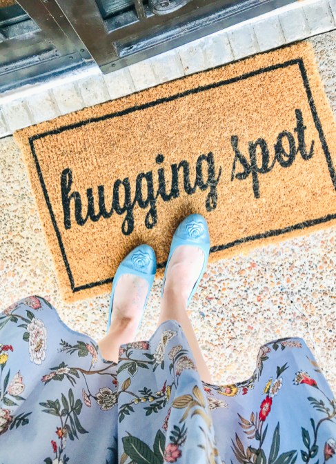 """Hugging Spot"" front door mat leads you into spring home tour"