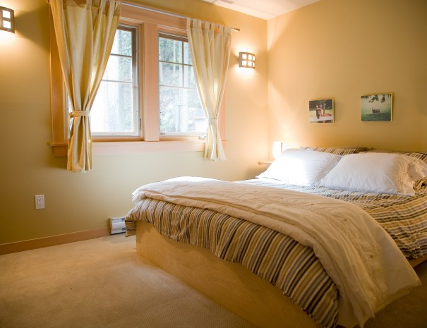 This is the second bedroom with a queen bed.