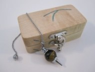 Dowsing Pendulum with a box