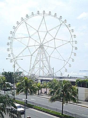 SM MOA EYE – Ferris Wheel and Themepark Attraction in Mall of Asia