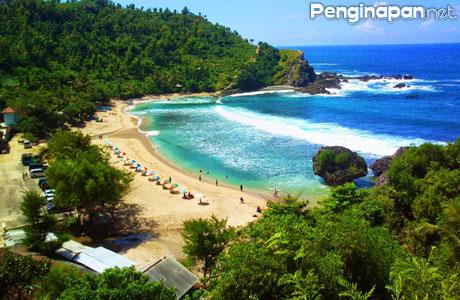 Pantai Nglambor - www.cakrawalatour.com