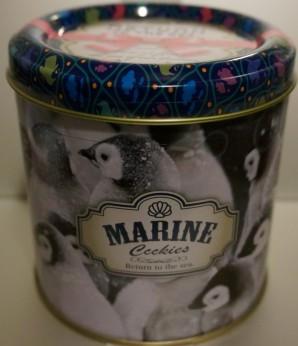 サンシャイン水族館のお土産「ペンギンクッキー缶」