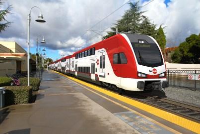 180110_Caltrain_LiveryOp1_Integration_Station_M.jpg