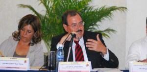 Los diputados locales pidieron a Guillermo Jáuregui Moreno, titular de Sepuie, terminar con las obras de mala calidad.